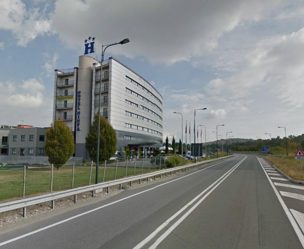 """Avigliana, messaggio all'Hotel Ninfa: """"C'è una bomba"""". Allarme rientrato ma rimangono le minacce"""
