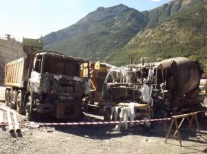 Mezzi di cantiere incendiati a Salbetrand