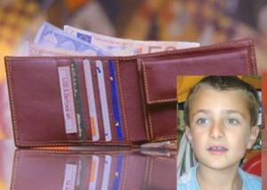 Lorenzo Moncalvo, 8 anni, ha trovato un portafoglio e su è subito preoccupato di restituirlo