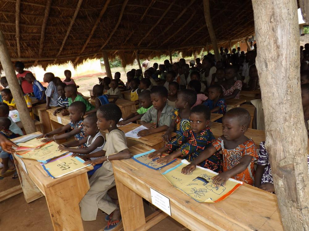 """Con """"Tengo al Togo"""", 100 nuovi banchi per le scuole dell'Africa"""