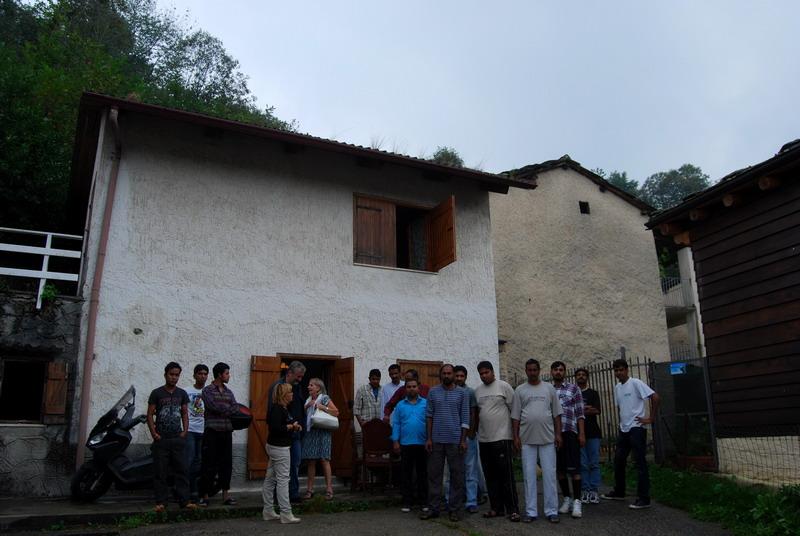 Dalla Libia fino a Giaveno. Sedici rifugiati pakistani e bengalesi ospiti in alcuni alloggi delle borgate montane