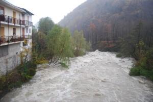 Case a ridosso del torrente a Ponte Pietra di Gaiveno