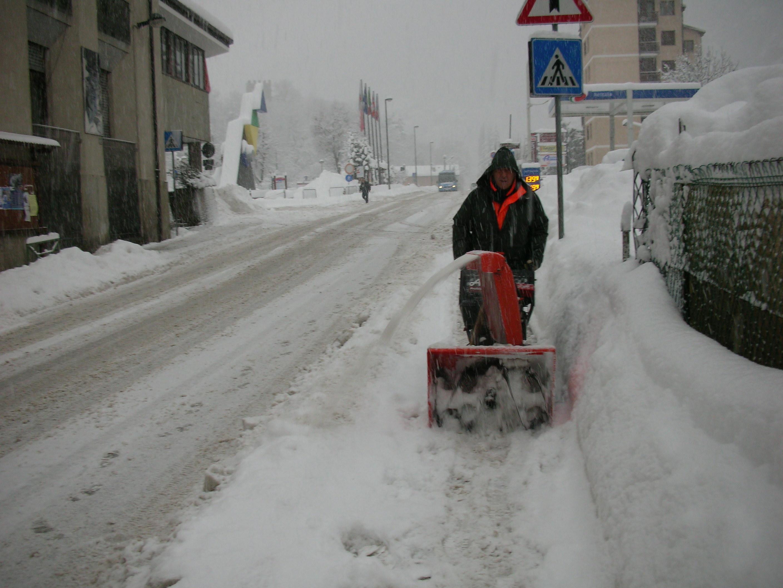 Oulx. E' arrivata la neve e ha fatto 80 (cm) !