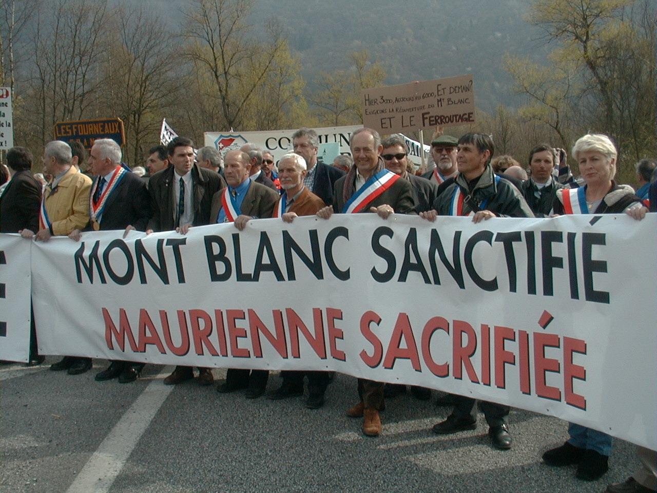 La Maurienne contro i tir il 9 aprile ad Aiton (Francia)