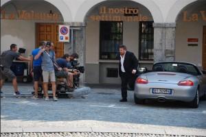 Una scena girata davanti alla redazione de La Valsusa