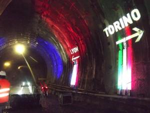 L'interno del tunnel della Torino-Lione a Saint Martin La Porte (Francia)