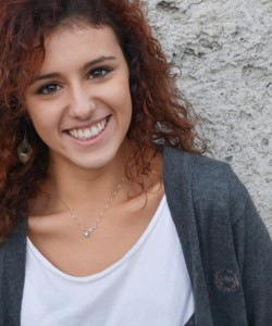 Roberta Morra Cialini, 22 anni, di Avigliana. Frequenta l'Università a Parigi