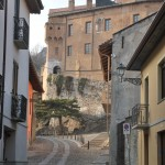 castello e via