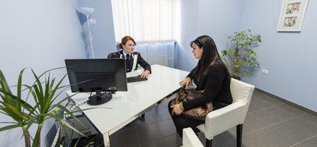 """Bardonecchia, una """"saletta"""" nel Commissariato di Polizia riservata alle donne vittime di violenza"""
