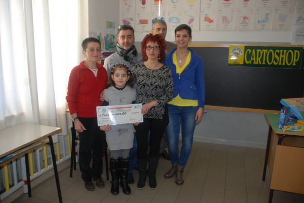 Bruzolo, Sharon disegna la sua maestra e vince 500 euro