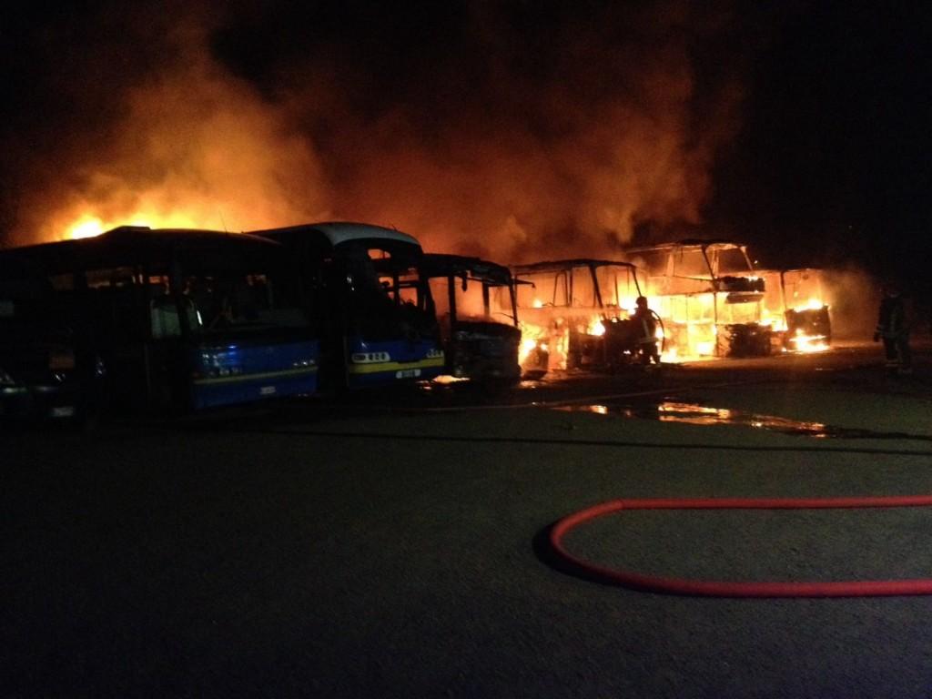 Bussoleno, in fiamme gli autobus di Bellando