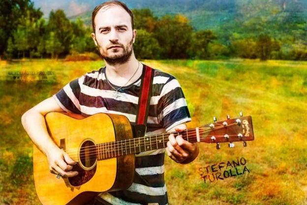 """Turolla e la sua chitarra incantano """"Torino Sotterranea"""""""