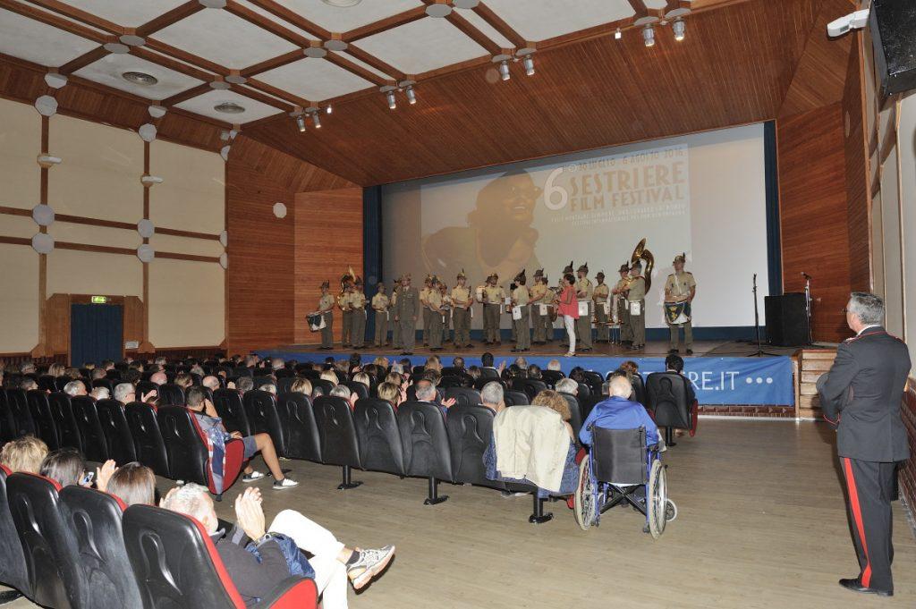 Sestriere. Il Film Festival apre con la Fanfara della Taurinense