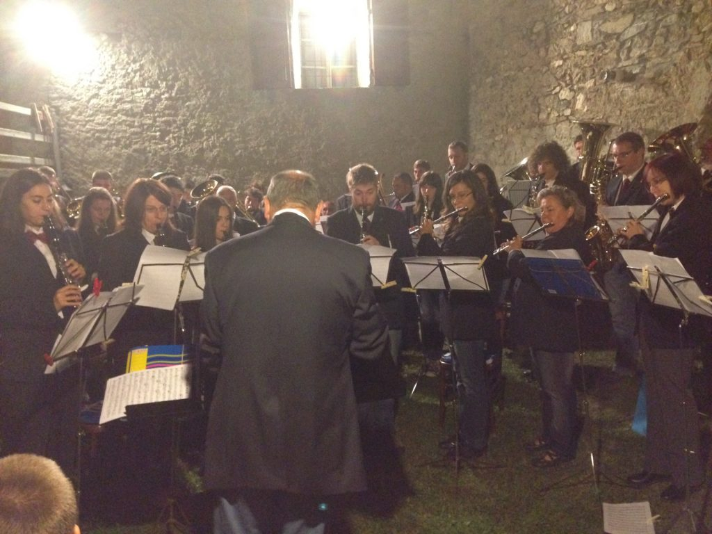 Oulx. Concerto a Chateau della Banda Alta Valle di Susa