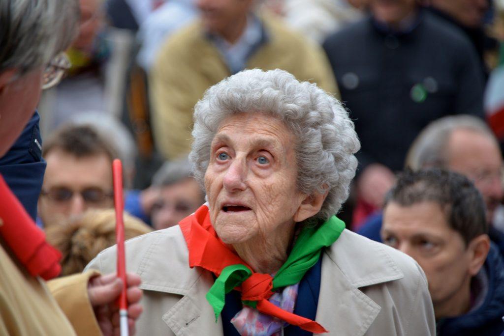 """L'ultimo saluto a Maria Riva con """"Bella Ciao"""""""