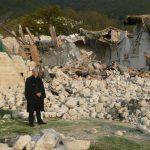 Mons. Boccardo davanti ai resti della-chiesa di San Salvatore