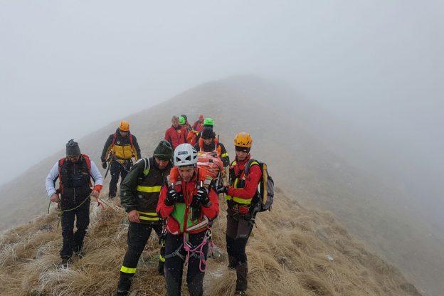 Precipitano dal monte Civrari, morti due escursionisti