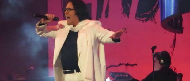 Aviglianese precipita dagli spalti del concerto di Renato Zero