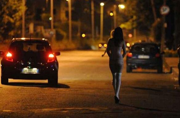 Una legge per punire i clienti delle prostitute