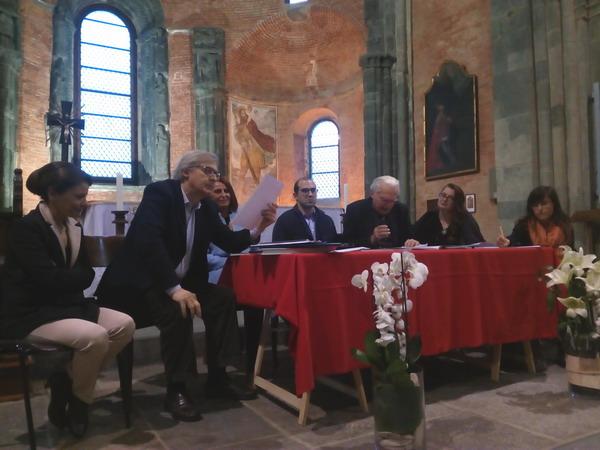 In fila alla Sacra di San Michele per ascoltare Vittorio Sgarbi