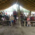 Tra i banchi di una scuola con i bambini del villaggio