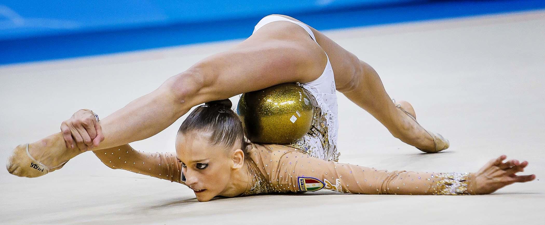 Фото ебли гимнасток крупно, Гимнастки, порно фото, смотреть бесплатно 30 фотография