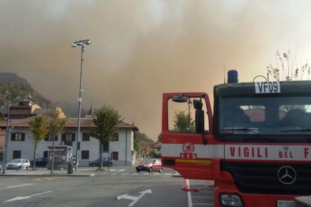 Incendi a Mompantero-Susa.  Stanno evacuando la Casa di Riposo San Giacomo