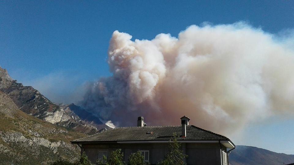 """Incendi. Mons. Badini Confalonieri: """"Serve più prevenzione e… che Dio ci aiuti"""""""