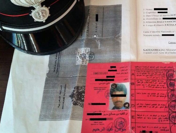 Carabinieri, controlli al confine: cinque denunciati