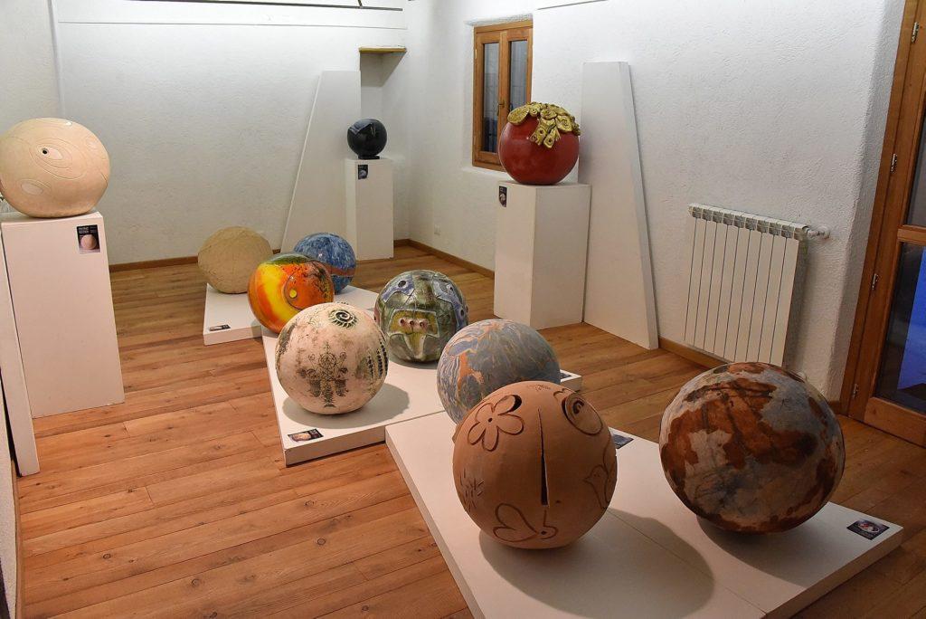 Inaugurata la mostra Christmas Big Balls e il Presepe in frazione Bousson