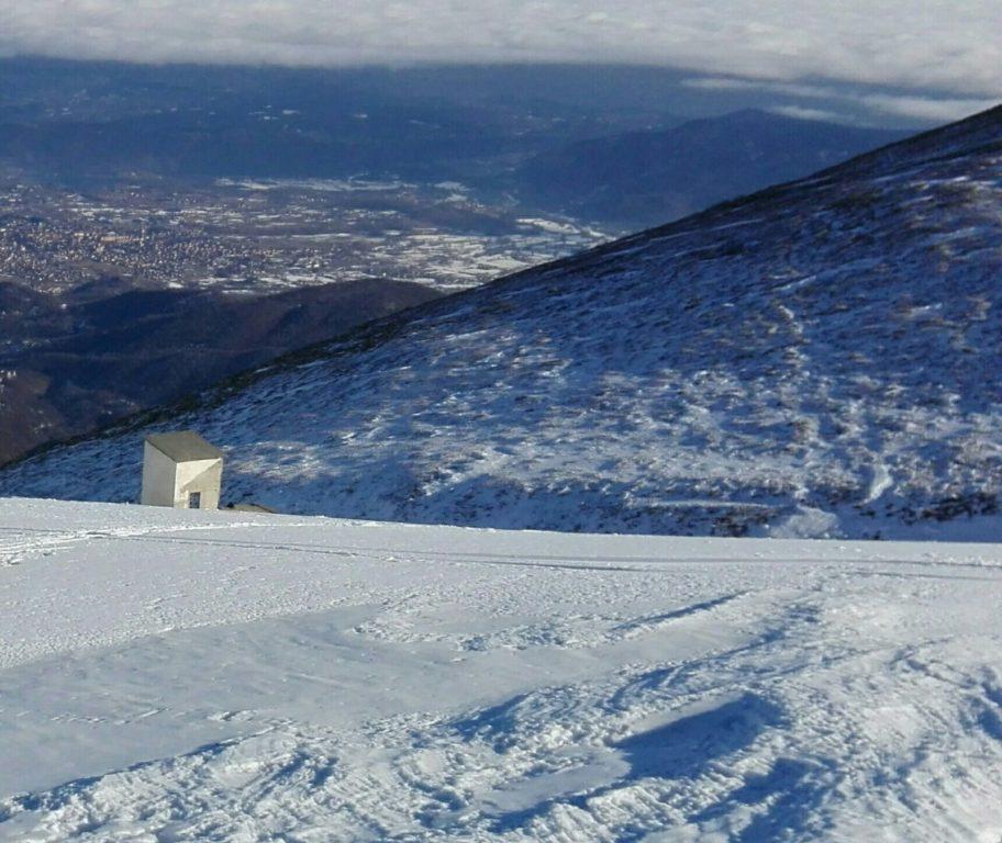 Due scialpinisti bloccati a 2000 metri sul monte Aquila