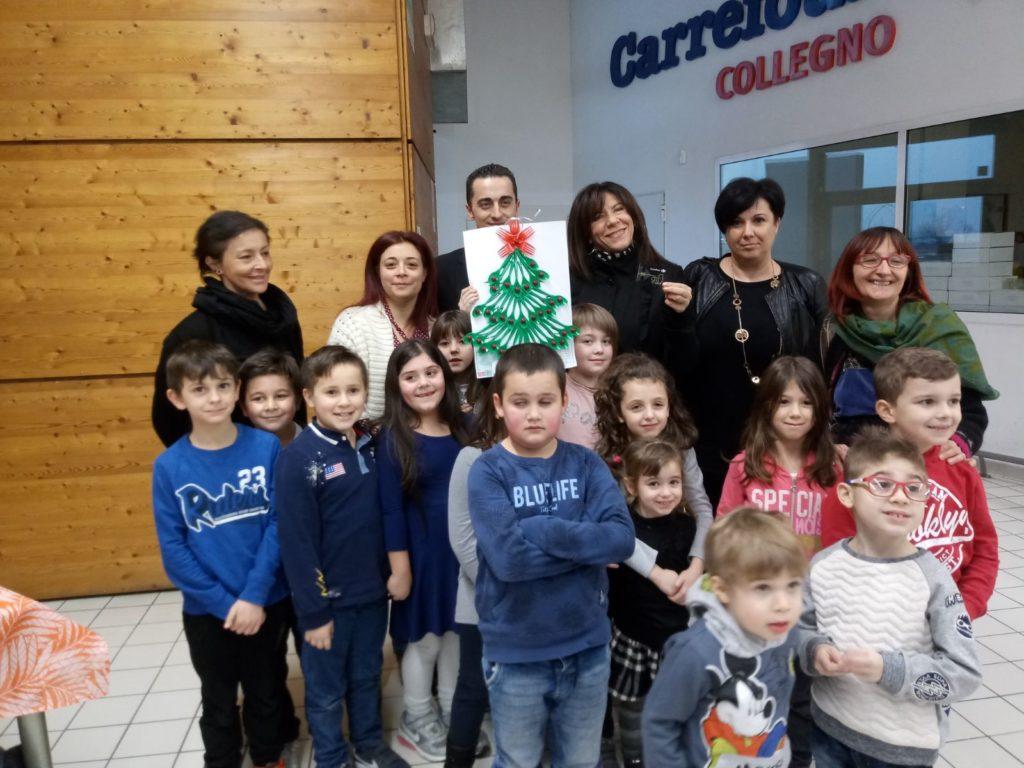 S.Antonino, i bimbi della 2 A decorano l'Albero. Premiati con 500 euro