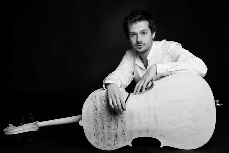 Quattro chiacchiere con il violoncellista Lamberto Curtoni, valsusino di adozione