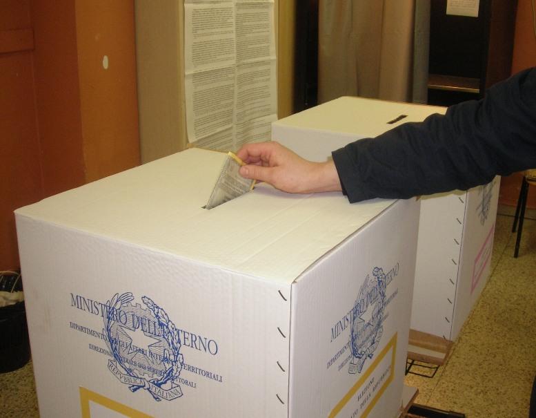 """Elezioni politiche 2018: come si vota per Camera e Senato con il """"Rosatellum""""?"""