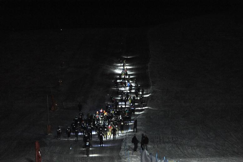 Campionati sciistici delle Truppe Alpine:  Pronostici rispettati nella gara di scialpinismo in notturna, con gli atleti del Centro Sportivo dell'Esercito a dare spettaco