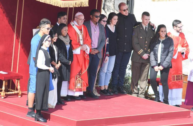 """Papa Francesco: no alla """"tentazione"""" di """"far tacere i giovani"""". """"Sta a voi non restare zitti"""""""