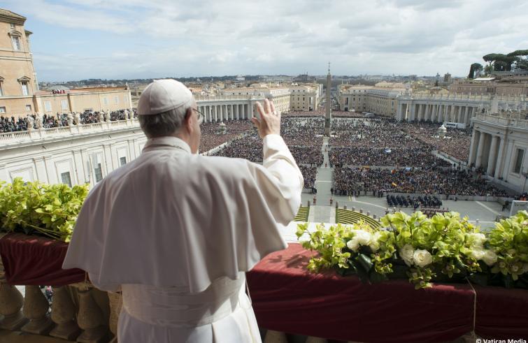 Papa Francesco, durante il messaggio Urbi et Orbi di Pasqua, ha lanciato un appello perché cessi immediatamente lo sterminio in Siria