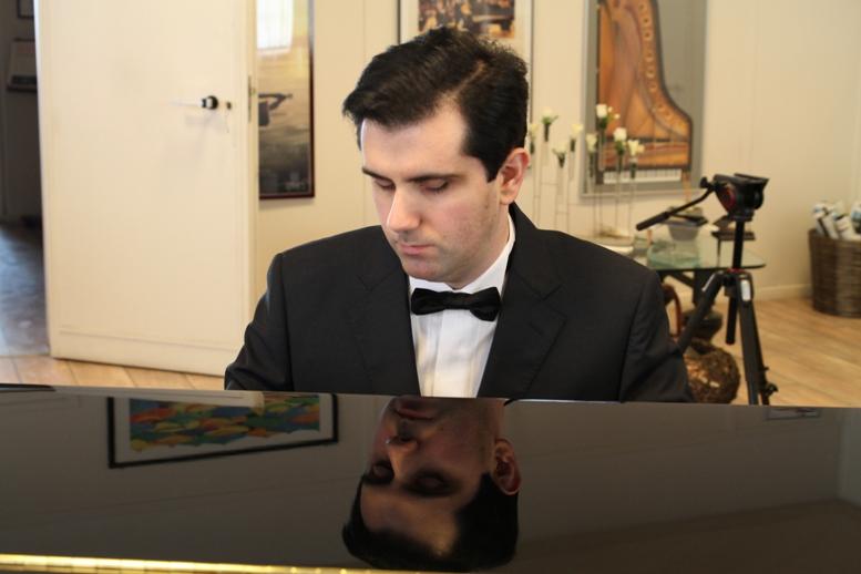 """Reano, """"Il pianista del buio"""" in concerto sabato 28 aprile"""