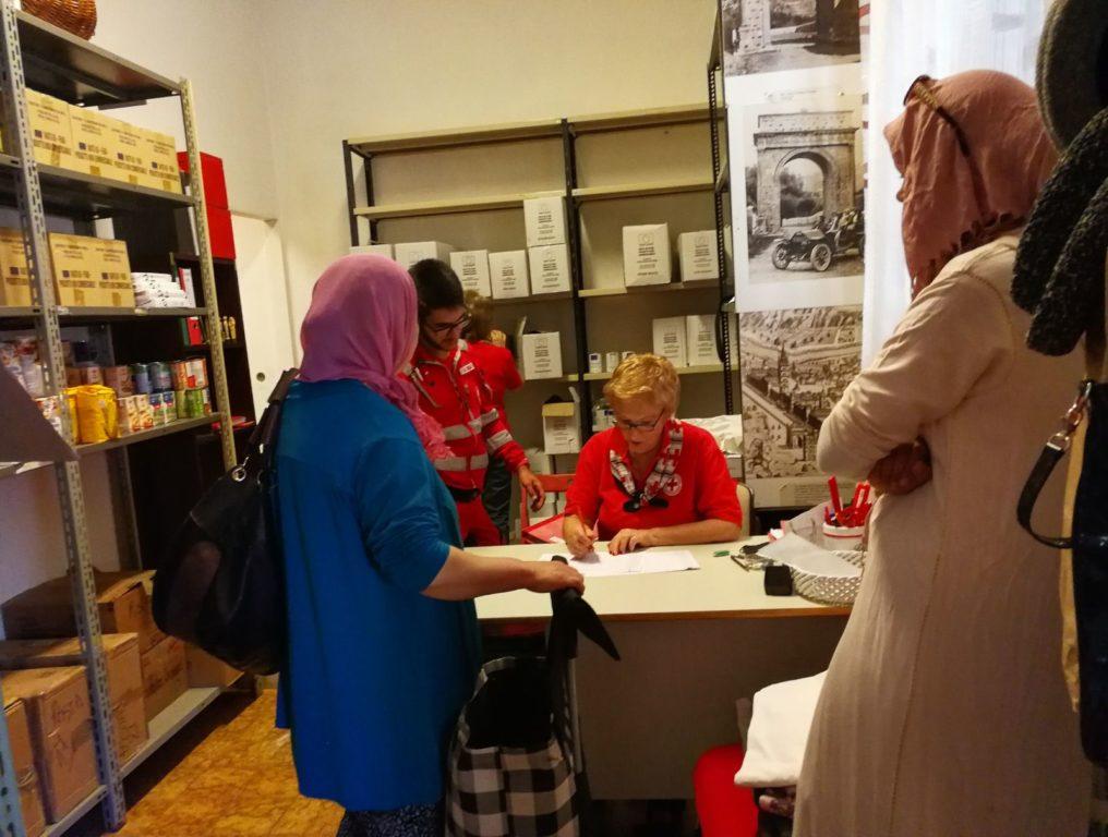 Sabato 28 aprile, la Croce Rossa di Susa raccoglie viveri per le famiglie in difficoltà