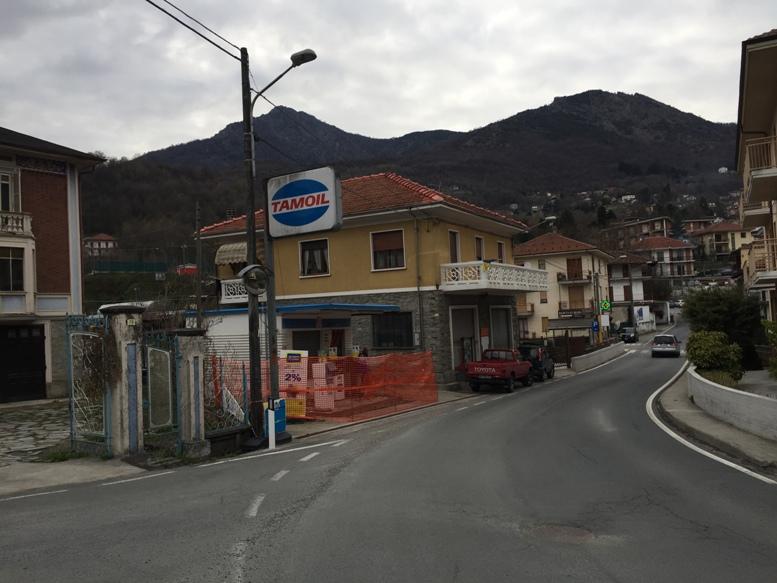 Rubiana, va in pensione lo storico benzinaio del paese. Quale futuro per il distributore?