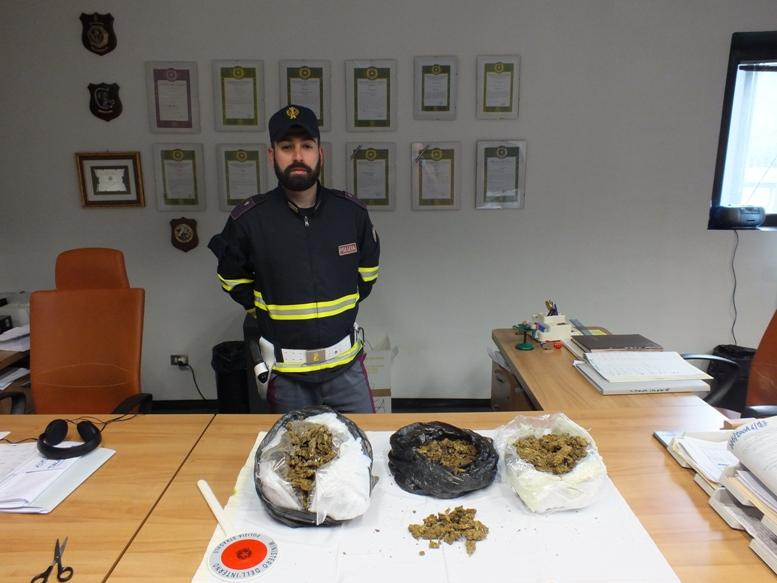 Avigliana, quando la marijuana viaggia sui pullman low cost