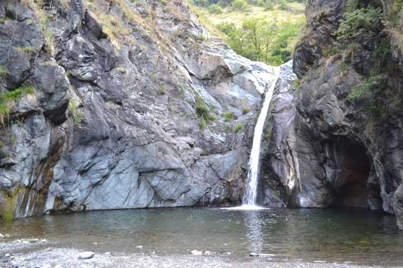 Val di Susa, si tuffa alla Goja del Pis: 17enne all'ospedale