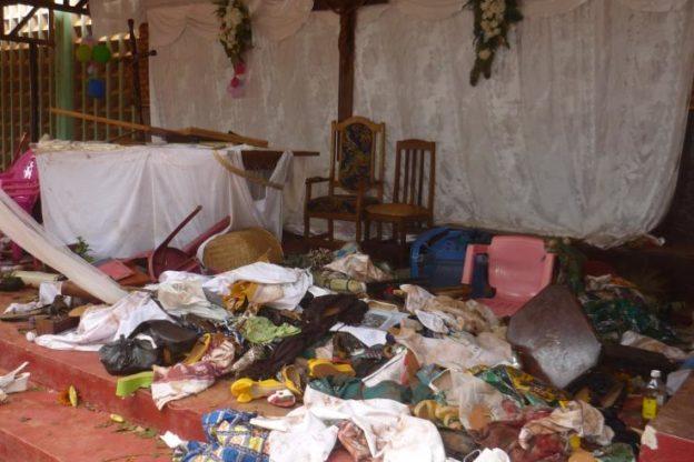 Cristiani massacrati in una chiesa di Bangui. Il racconto di Padre Moses