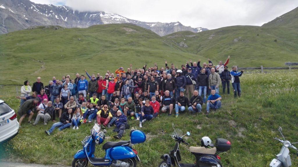Uno sciame di Vespa in Alta Valsusa