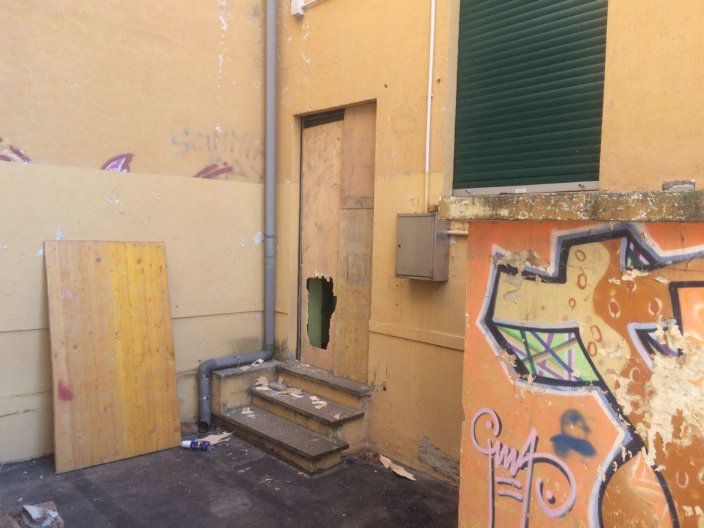 Ancora atti vandalici ad Alpignano: varie zone colpite