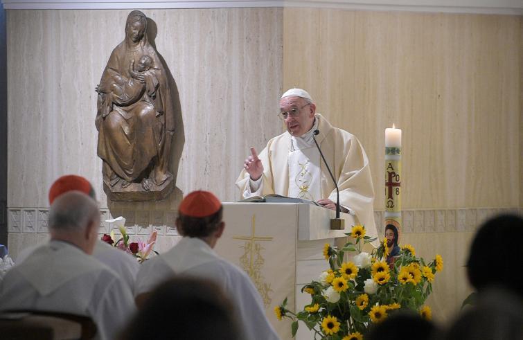 """Papa Francesco: """"Con chi cerca soltanto scandalo e divisione, silenzio e preghiera"""""""
