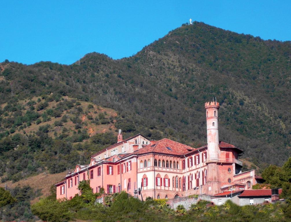 """Il Castello Cays viene messo in vendita. Il proprietario smentisce: """"è un malinteso"""""""