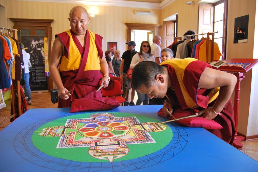 Un mandala unisce idealmente Giaveno e il Tibet