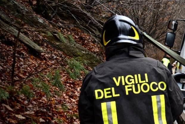 Una coppia si perde nei boschi di Cumiana e viene recuperata dai Vigili del Fuoco di Giaveno