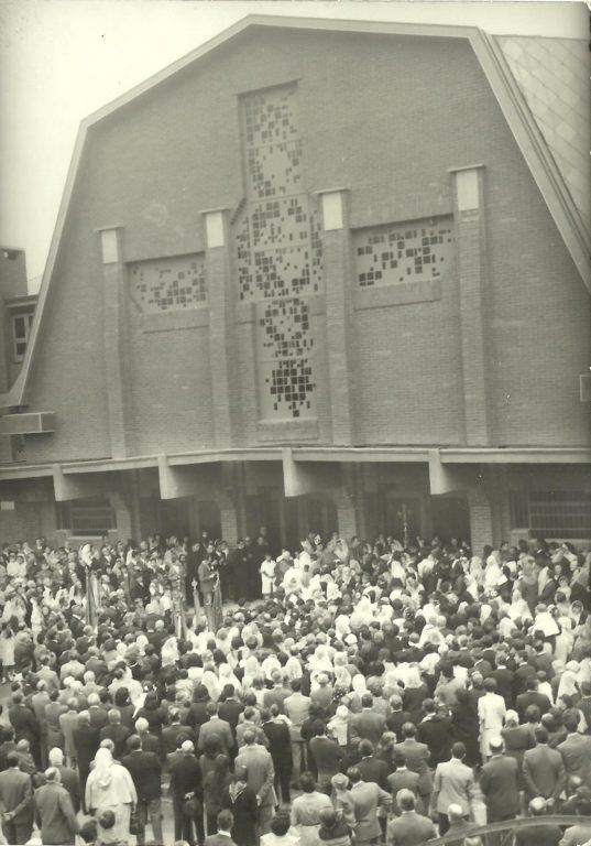 Almese, 50 anni fa veniva consacrata la nuova chiesa parrocchiale